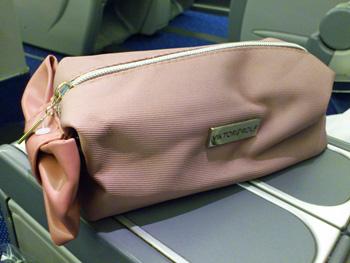amenity KLM.jpg