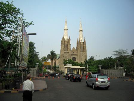 cathedral jakarta.jpg