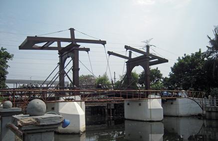 chicken market bridge 1.jpg