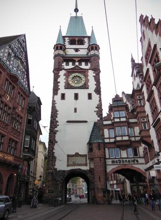 freiburg torのコピー.jpg