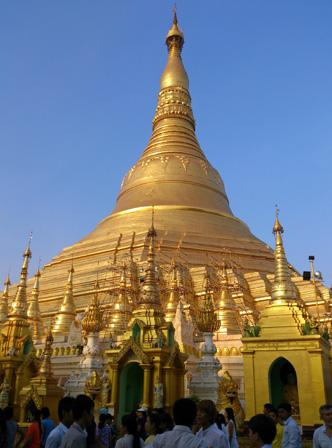 golden temple myanmar.jpg