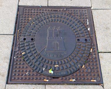 hamburg manhole.jpg