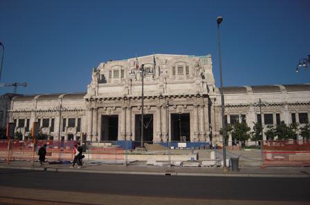 milan station outside.jpg
