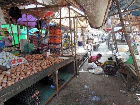 myanmar local market.jpg