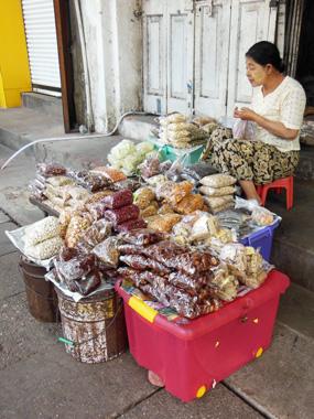 myanmar street 4.jpg