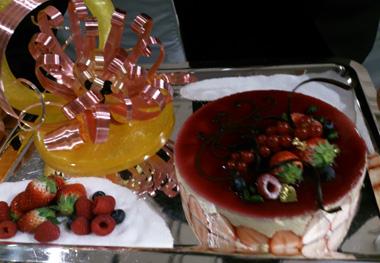 fraisier whole.jpg